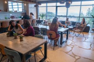 למה יש דרישה גבוהה לחללי עבודה בירושלים?