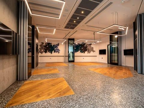 חדר ישיבות באדגר קונפרנס 360 - Adgar Conference 360 - חלל עבודה בתל אביב