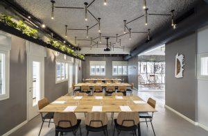 עוצר נשימה: 3 חדרי ישיבות בתל אביב שידהימו את הלקוחות שלכם