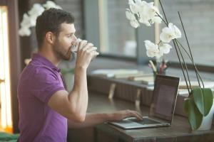 לעבוד מבית קפה – אאוט. חלל עבודה משותף – אין! ההסבר המלא